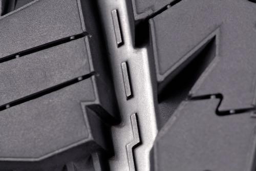 225/50R17 pneus toutes saisons